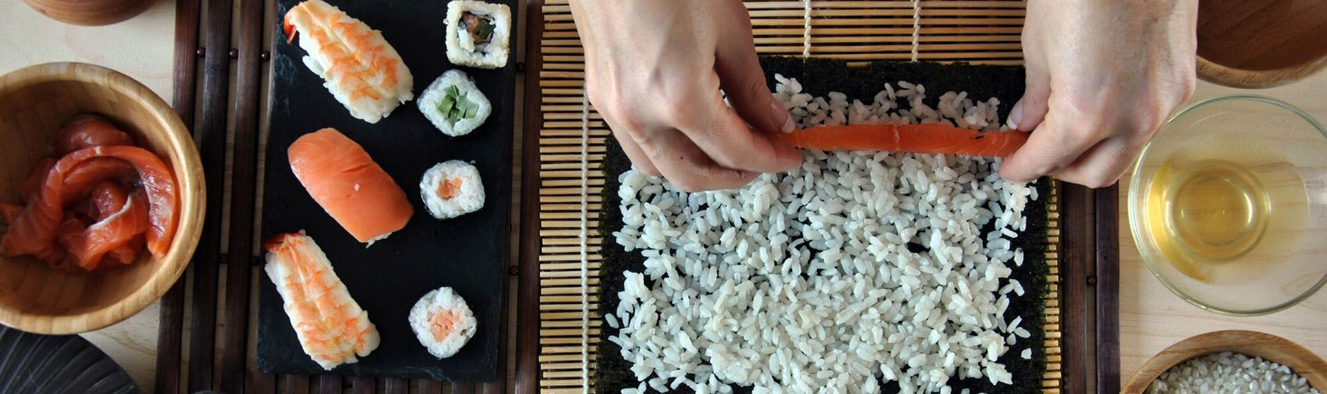 Замовити роли та суші. Чи краще приготувати вдома?