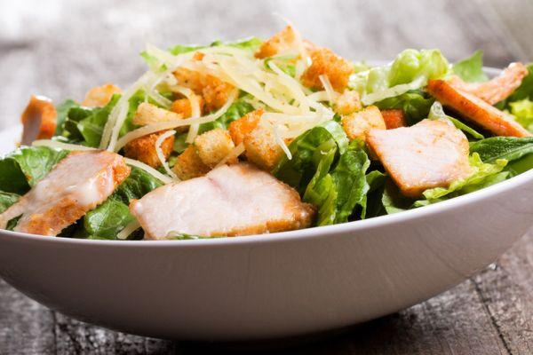 Особливості приготування салату Цезар