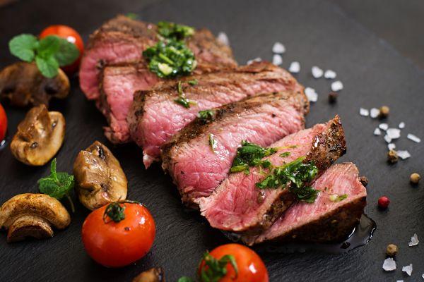 Як приготувати стейк вдома