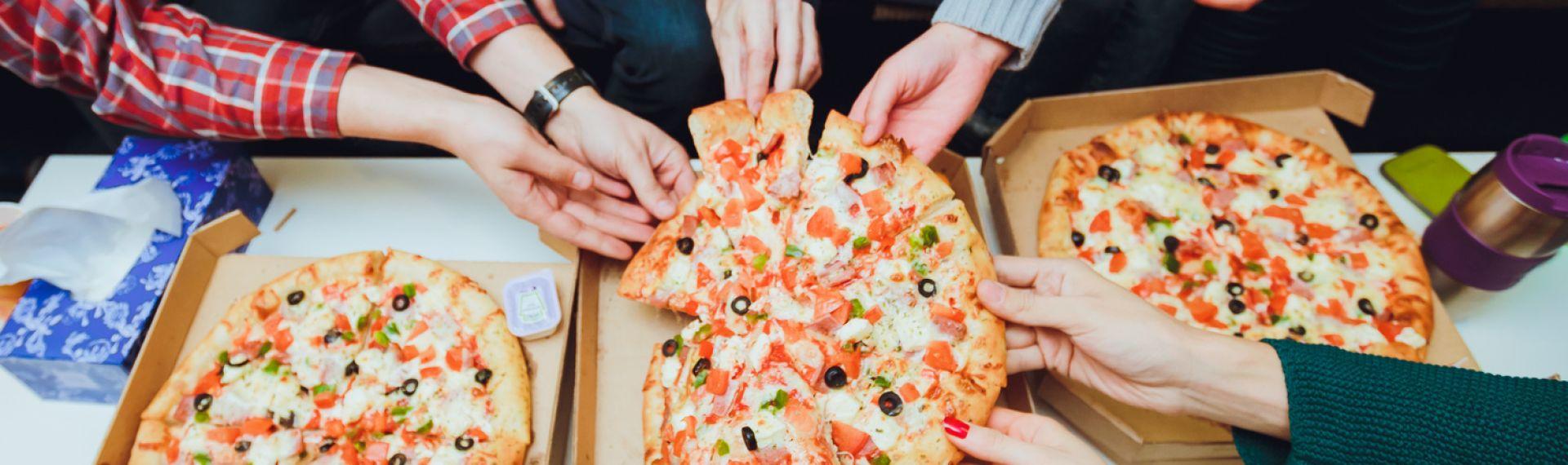 Почему стоит заказывать пиццу на обед в офисе?