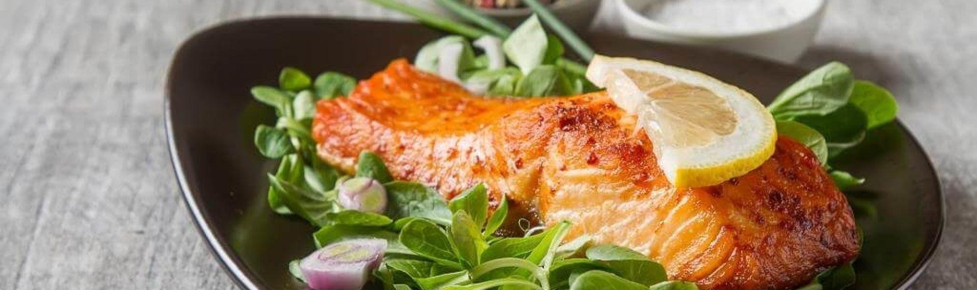 Стейк из лосося: польза красной рыбы