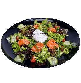Салат зі слабосоленим лососем